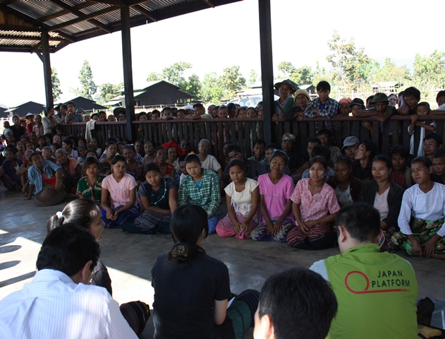 rev_Meeting with Community in Thit Sar Aye Myaing (4).jpg