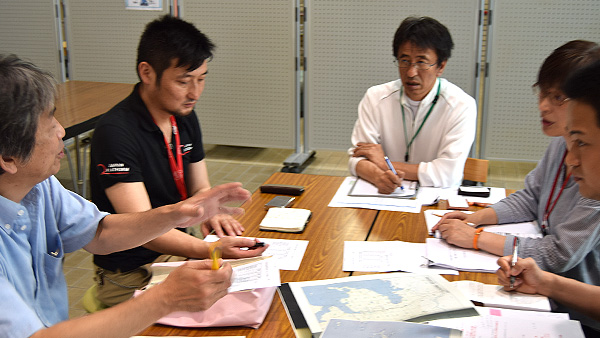 5. JPF Emergency Assessment Team Corroboration with NGOs and Local government/ 9th July Ehime ©JPF