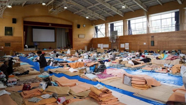 An elementary school gymnasium in the city of Nagano that is serving as an evacuation center ©SVA