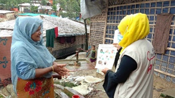 Awareness-raising activities for infectious disease prevention at Myanmar refugee camp, Bangladesh ©PWJ