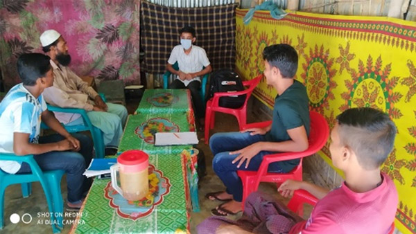 Infection prevention training for volunteer staff at Myanmar refugee camp, Bangladesh ©WVJ